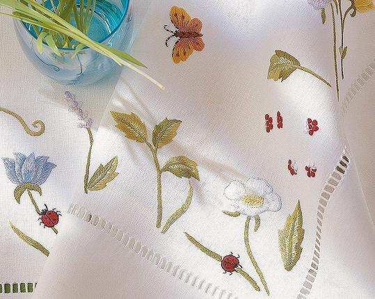 Скатерть Blumenwiese 110 x 110 см производства ERI Textiles купить в онлайн магазине beau-vivant.com