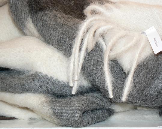 Плед из шерсти Альпака производства MIDIPY купить в онлайн магазине beau-vivant.com