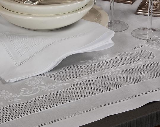 Скатерть Venezia 110 x 110 см производства ERI Textiles купить в онлайн магазине beau-vivant.com