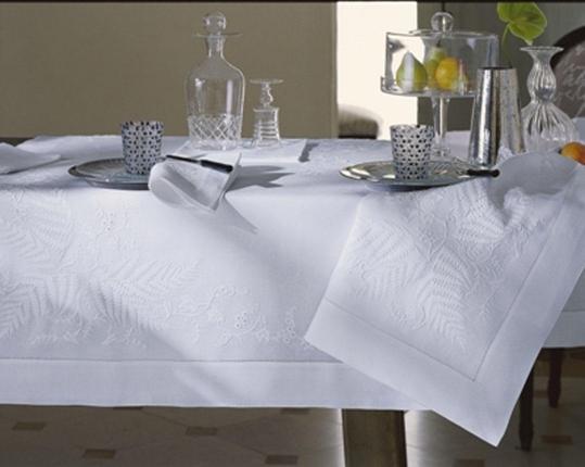 Скатерть Farn 110 см х 110 см производства ERI Textiles купить в онлайн магазине beau-vivant.com