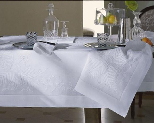 Скатерть Farn 180 см х 180 см производства ERI Textiles купить в онлайн магазине beau-vivant.com