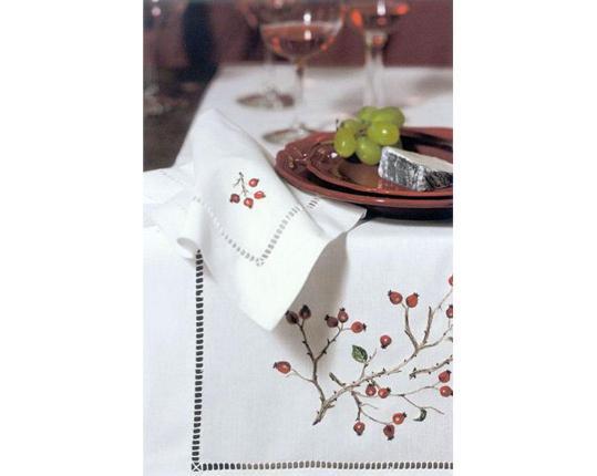 Скатерть Hagebutten 110 см х 110 см производства ERI Textiles купить в онлайн магазине beau-vivant.com