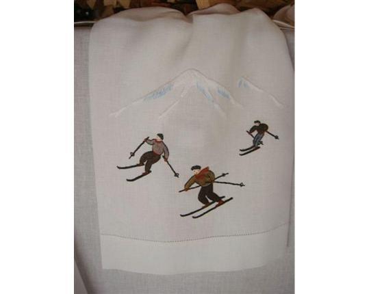 Скатерть Skifahrer 110 см х 110 см производства ERI Textiles купить в онлайн магазине beau-vivant.com