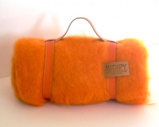 Плед из шерсти ангоры (оранжевый) производства MIDIPY купить в онлайн магазине beau-vivant.com