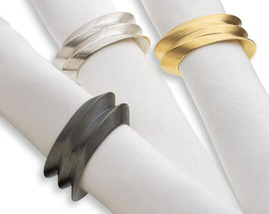 Кольцо для салфеток Louis XIV, оксидированное стерлинговое серебро  производства HML Berlin  купить в онлайн магазине beau-vivant.com