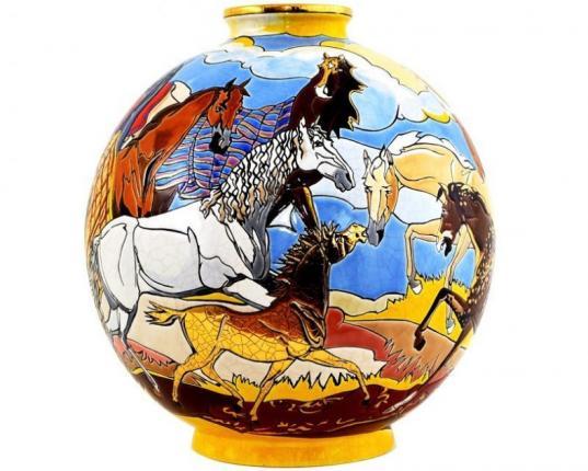 Шарообразная ваза Ronde Equestre 38 см производства Emaux de Longwy купить в онлайн магазине beau-vivant.com