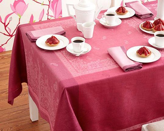 Скатерть Paisley Lila 178 см х 178 см производства Ju-Lein купить в онлайн магазине beau-vivant.com